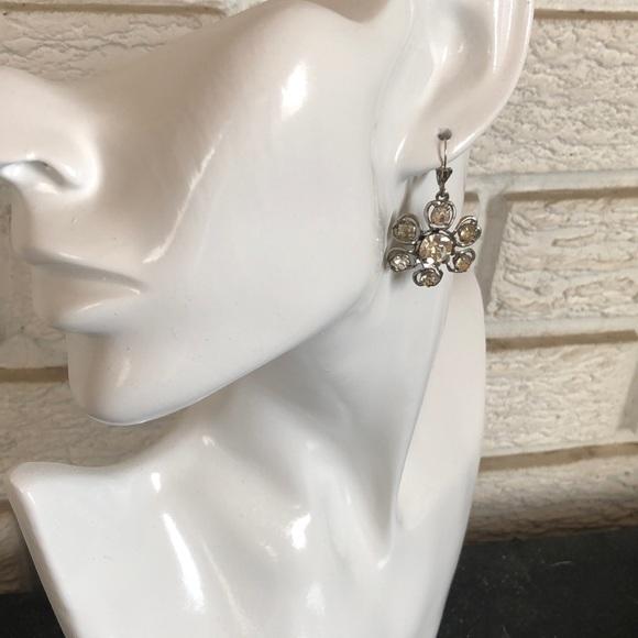 Vintage dainty crystal flower earrings